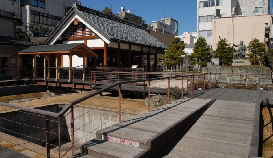 柴田神社(北ノ庄城)